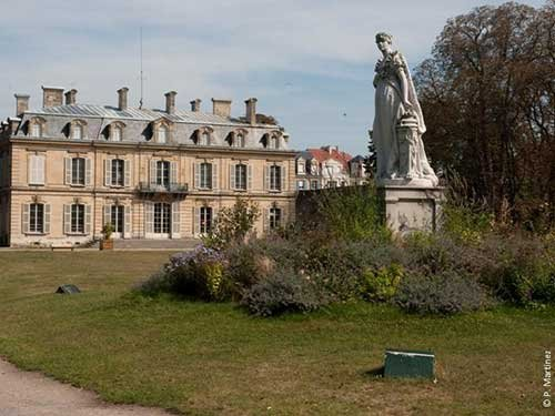Parc de bois pr au rueil malmaison 92 for Entretien jardin rueil malmaison