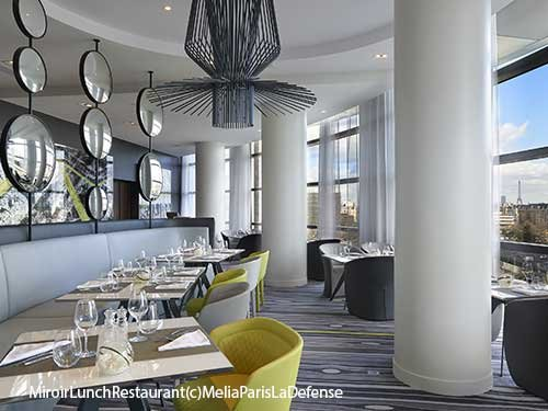Un d ner en amoureux l 39 h tel melia paris la d fense 92 for Miroir restaurant paris menu