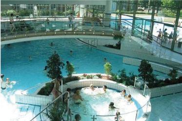 Les piscines dans les hauts de seine for Boulogne billancourt piscine municipale
