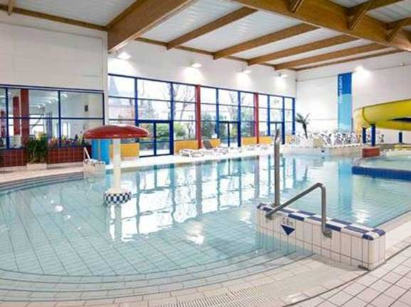 piscine bois colombes